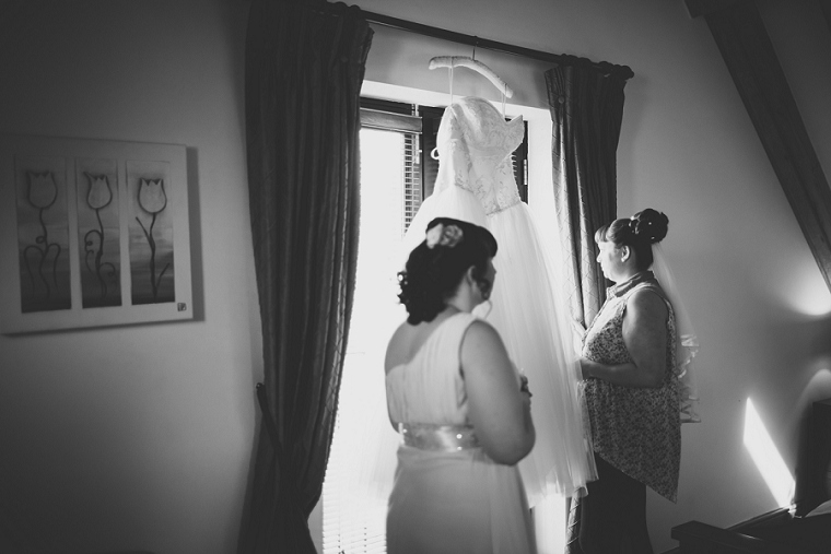 Real Wedding at Cooling Castle Barn in Kent 006