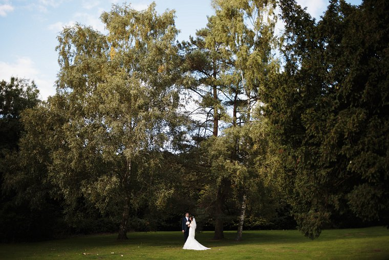 Brandshatch Place Wedding Photography 051